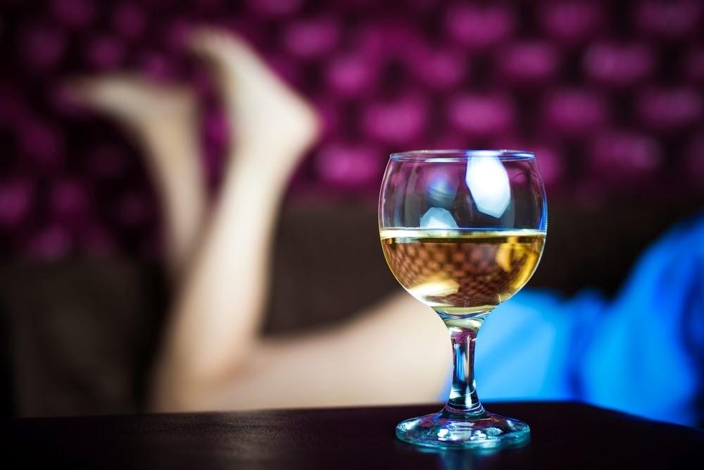 Con gái say, không phải là hư hỏng, mà là đáng thương...