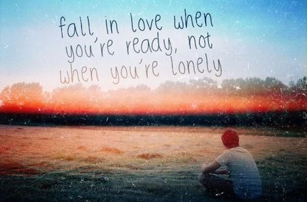 Em tin hạnh phúc sẽ tặng những ai biết yêu, biết đợi chờ...