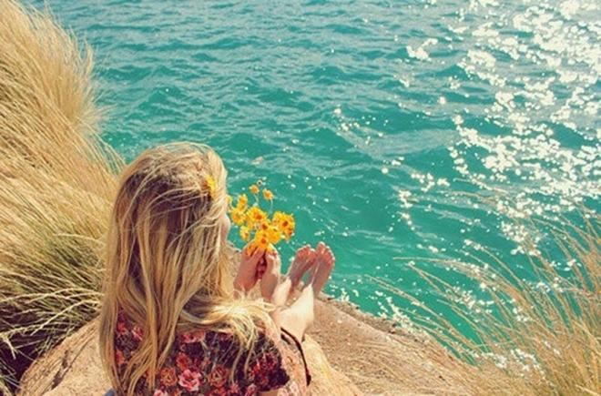 Anh muốn làm biển cả để sóng vỗ gọi tên em