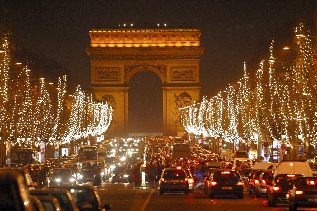 [Truyện ngắn] Paris kiêu hãnh (Chương 2)