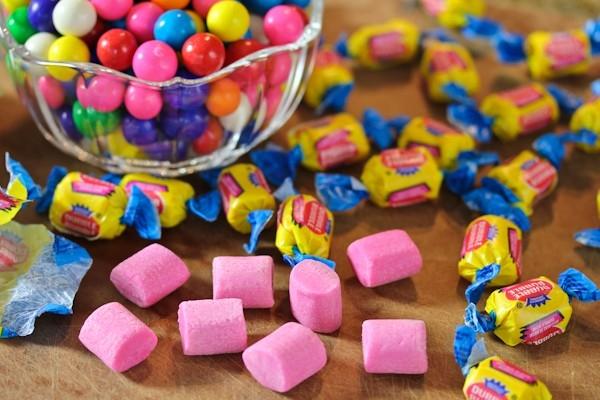 Mổ xẻ những tác hại khi nhai kẹo cao su thường xuyên