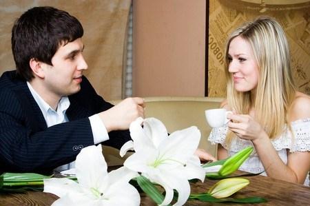 9 điều đàn ông thường nghĩ về phụ nữ trong 5 phút hẹn hò đầu tiên