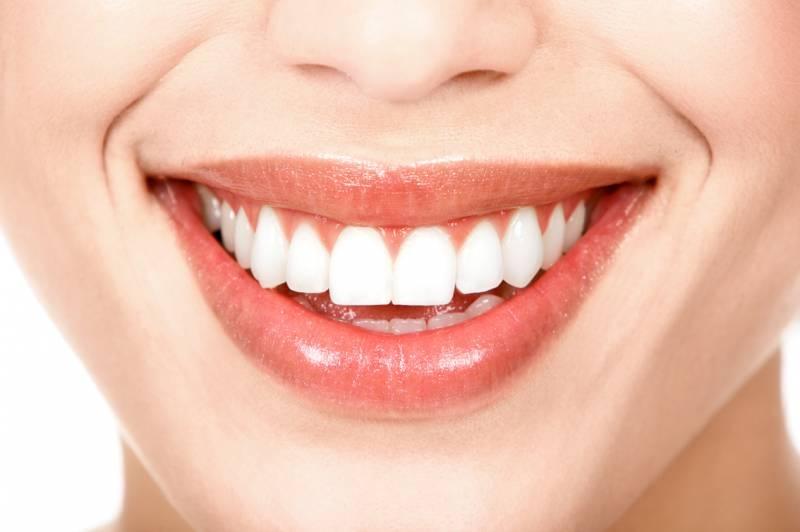 Bí quyết để có hàm răng trắng, đều như hạt bắp