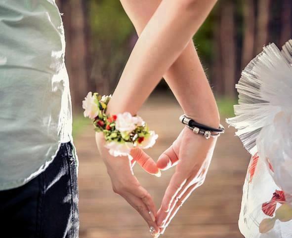 Yêu và được yêu là hai khoảnh khắc hạnh phúc nhất đời người