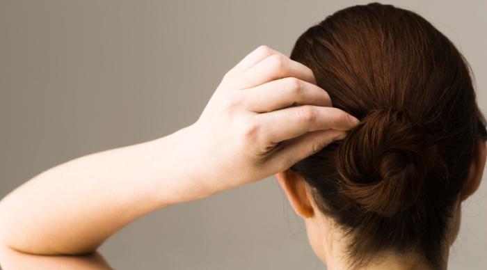 4 nguyên nhân khiến tóc bạc sớm mà bạn không hề nghĩ tới