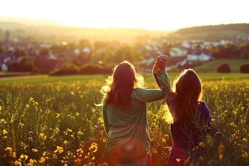 Những rắc rối khi cô bạn thân chưa có… người yêu