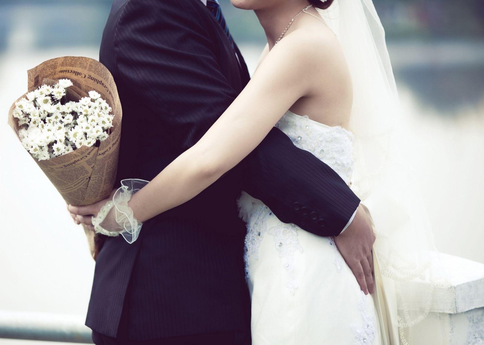 Ngày ta nên vợ thành chồng...