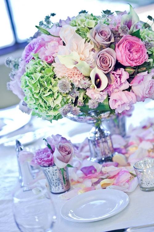 Quy tắc khi dùng hoa trang trí trên bàn tiệc cưới