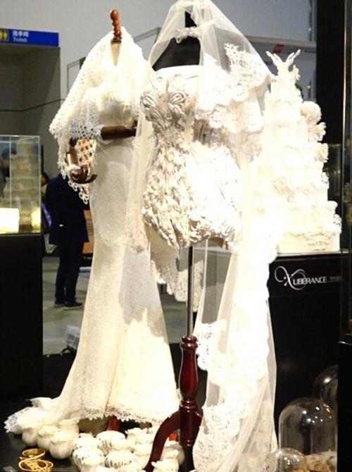 Váy cưới 3D hứa hẹn khiến mọi cô dâu mê đắm