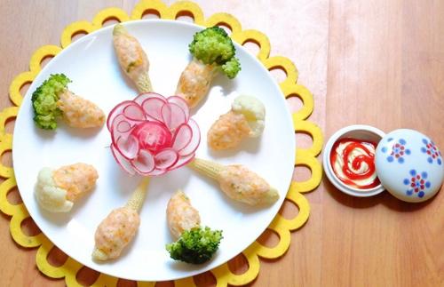 Tôm bọc rau củ hấp đơn giản mà ngon