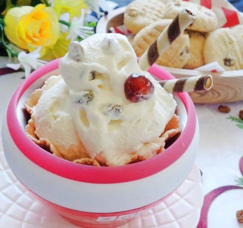 Tự làm kem nho khô mát lạnh ngày nắng