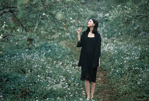 Rẻ đẹp và gợi cảm, áo kimono lại khiến chị em thèm muốn