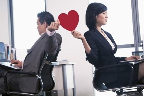 5 lý do không nên có tình công sở