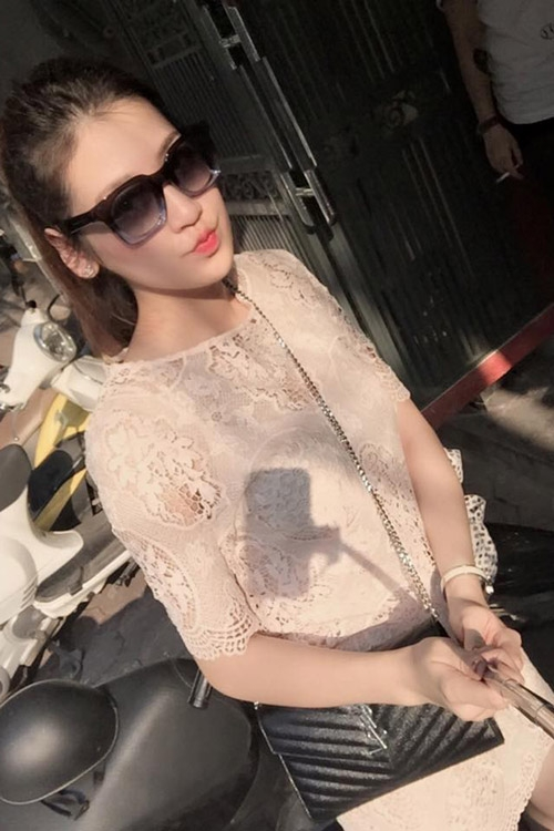Sắc màu đen - trắng ngập tràn street style Việt