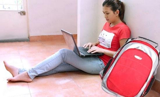 """10 thói quen xấu khiến laptop của bạn """"chết yểu"""""""
