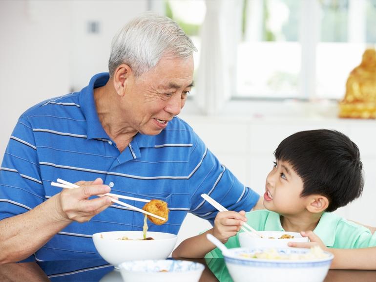 11 phong tục dùng bữa cần nhớ khi du lịch nước ngoài