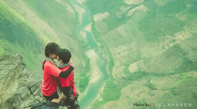 Bộ ảnh lãng mạn của cặp đôi phượt trên cung đường hạnh phúc
