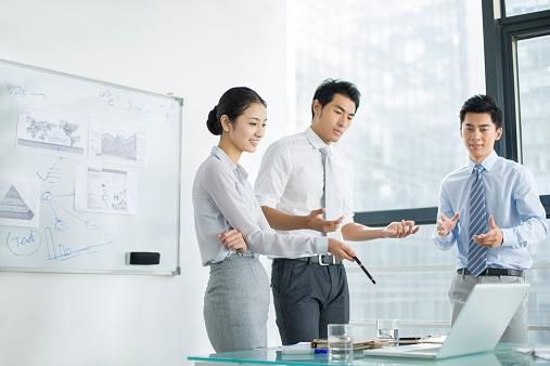 6 cách giúp bạn đối phó đồng nghiệp khó tính