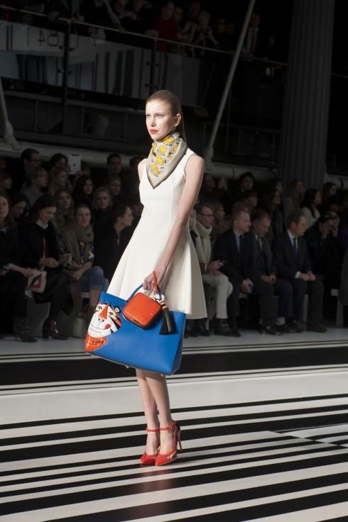 Hồ sơ thời trang: Thời trang dưới góc nhìn biếm hoạ