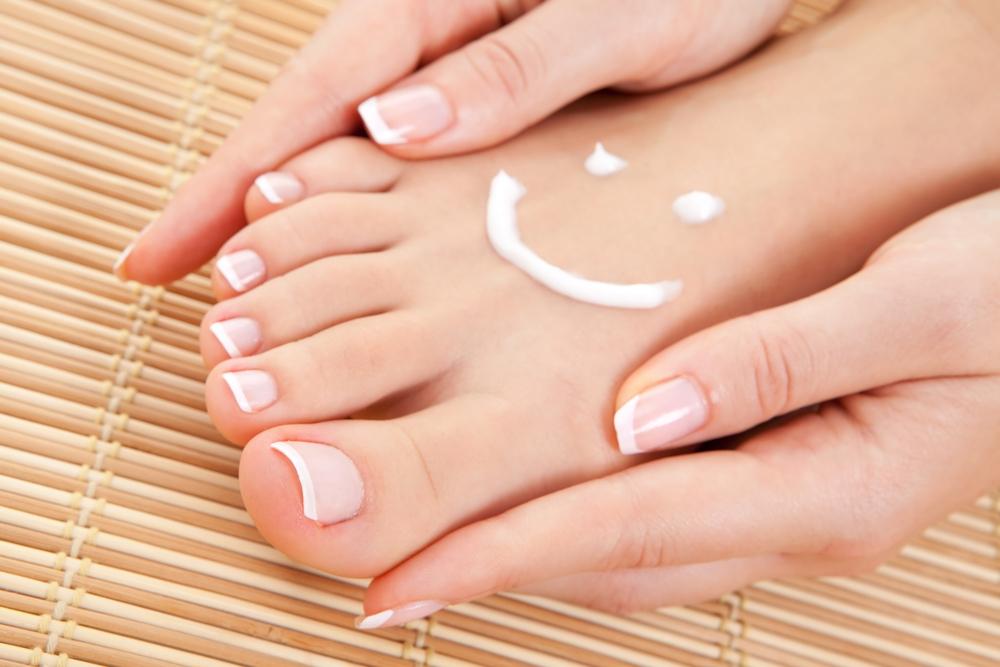 Bắt mạch: Nhìn bàn chân đoán bệnh