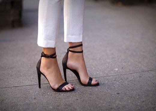 Tuyệt chiêu để đi giày cao gót chuyên nghiệp như... siêu mẫu