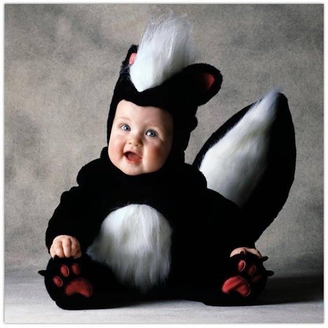 Cười nghiêng ngả với muôn kiểu hóa trang ngộ nghĩnh của em bé