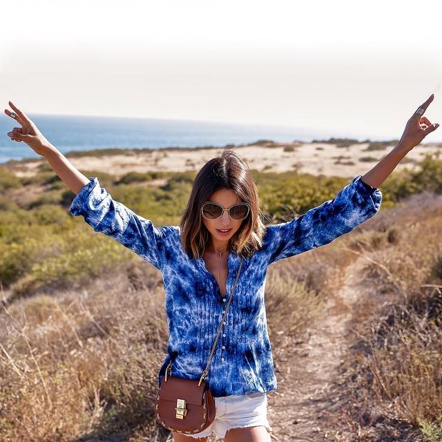 Fashionista: Annabelle Fleur biến hóa với túi đeo chéo