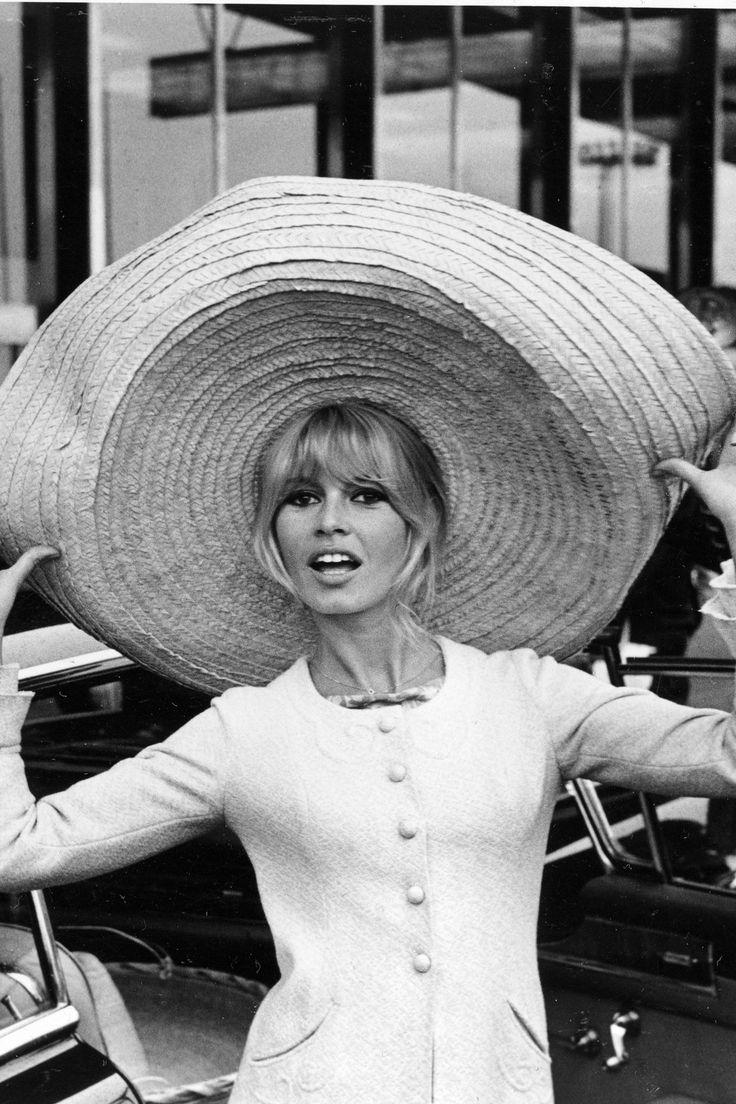 Hồ sơ thời trang: 5 biểu tượng của thời trang thập niên 1950