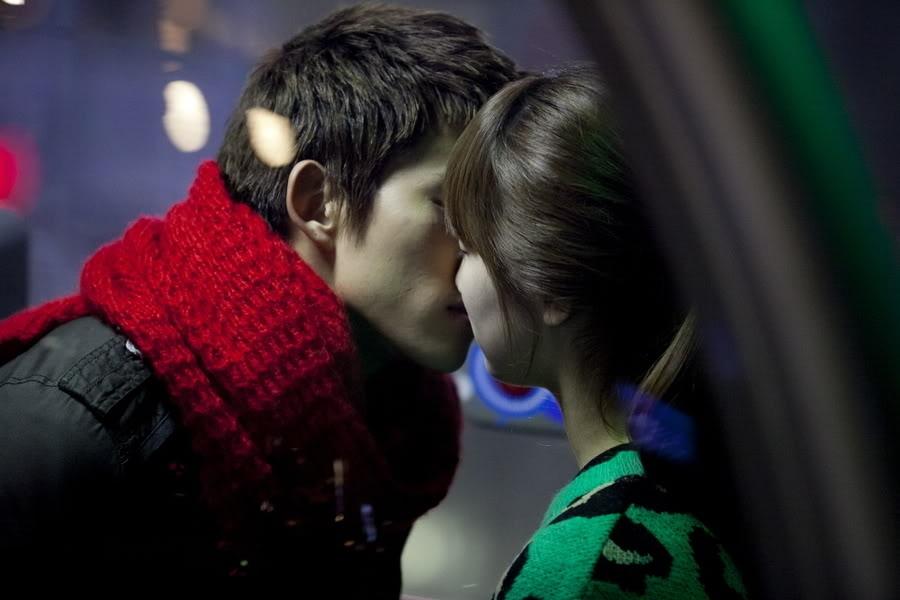 9 bí quyết để có một nụ hôn ngọt ngào