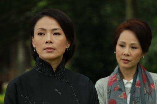 Xuyên suốt bộ phim là các tình tiết gay cấn giữa cuộc chiến của những người phụ nữ vì chồng, thương con.