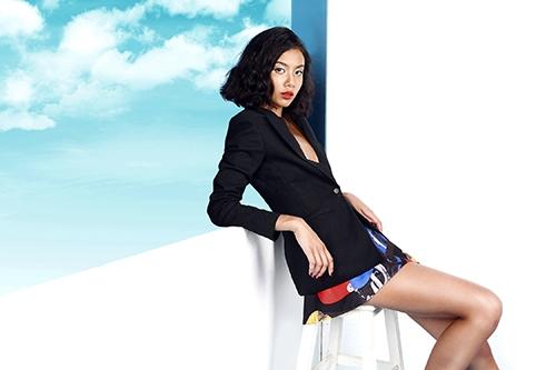 Celine Dương gây ấn tượng với phong cách mới