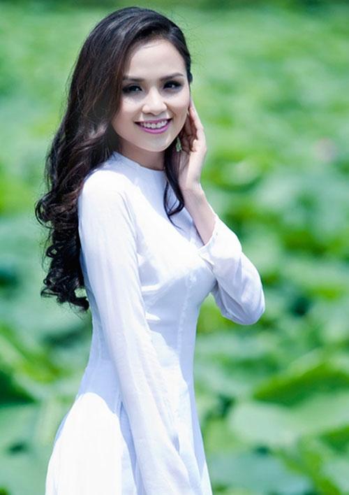 Mỹ nhân Việt hạnh phúc khi được cầu hôn lãng mạn