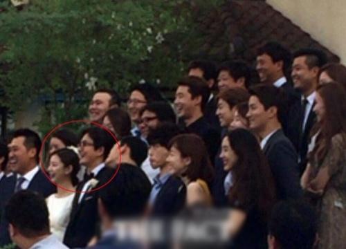 Rò rỉ hình ảnh trong đám cưới của Bae Yong Joon