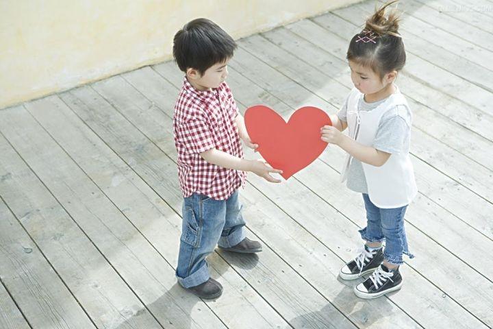 dạy con biết thương yêu