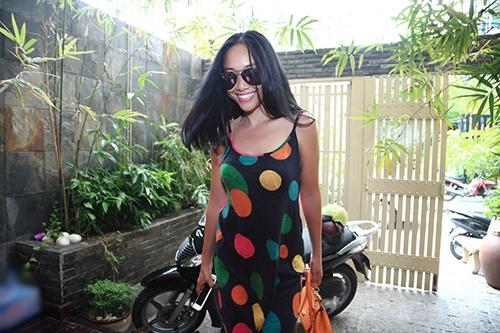 Đoan Trang tự tin mặc đẹp, Hà Tăng khoe vẻ đẹp mặn mà