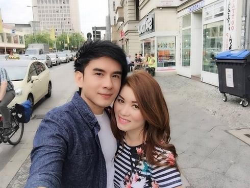 Thanh Hằng bất ngờ với tiệc sinh nhật sớm, Đan Trường khoe ảnh đi du lịch cùng vợ