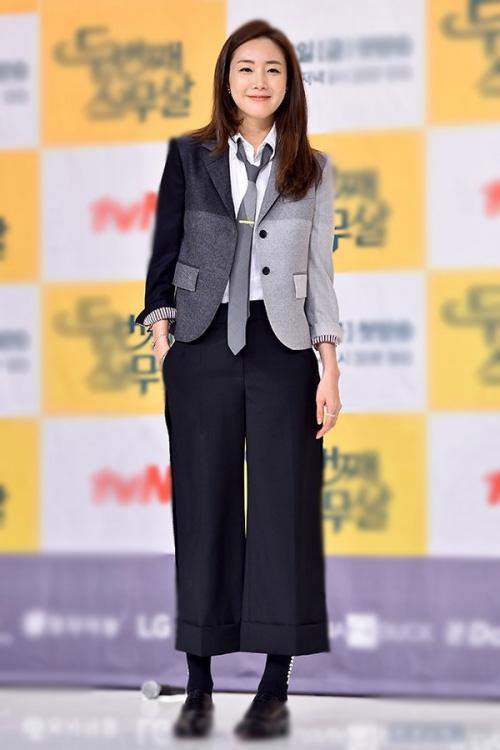 Choi Ji Woo từ chối trả lời về thu nhập