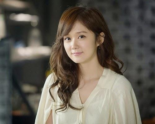 Bạn gái cũ Kim Hyun Joong rút đơn kiện, Na Ra gặp tai nạn