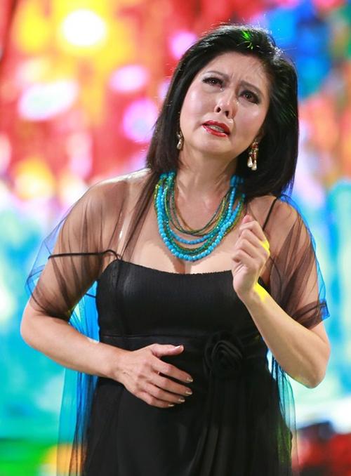 Đạo diễn Hồng Ngân trở lại; Danh ca Họa Mi rơi nước mắt