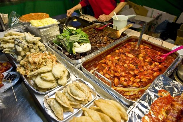 Mẹo ăn ngon, rẻ khi đi du lịch nước ngoài