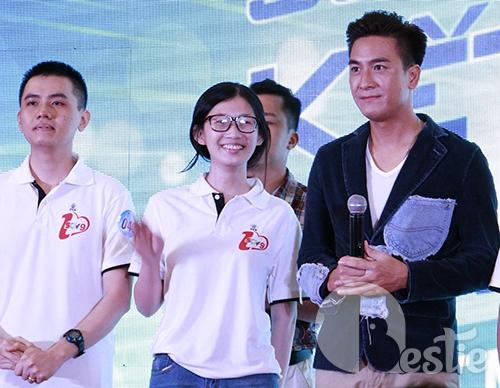 Mã Quốc Minh - Sầm Lệ Hương quậy tưng bừng cùng fan Việt