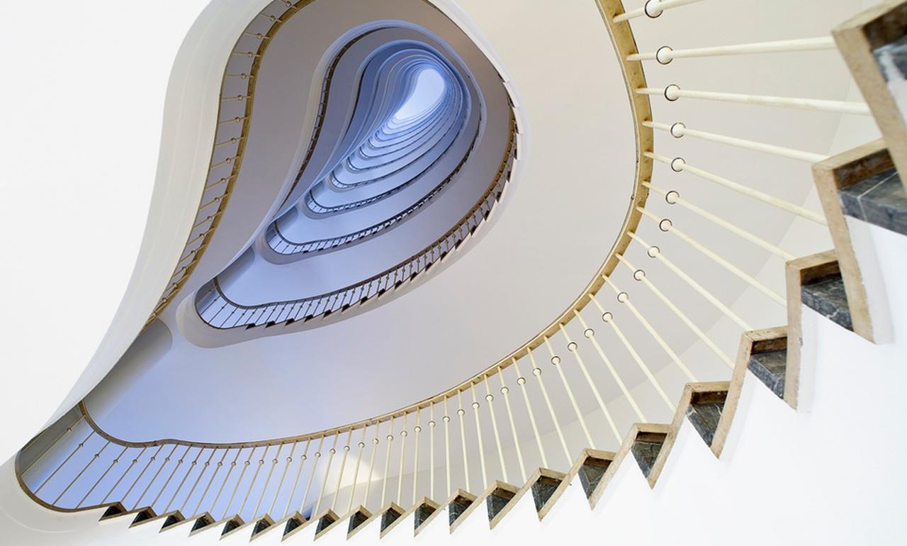 17 mẫu cầu thang sang chảnh nhìn là mê