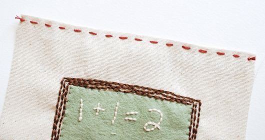 Thay áo mới cho sách vở bằng vải nỉ