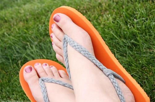 Tác hại khó tránh của 6 loại giày dép mà phái đẹp yêu thích