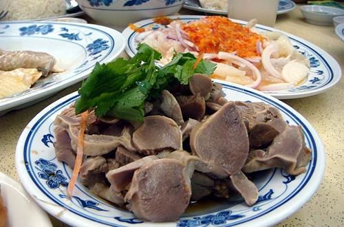 5 bộ phận thịt gà cực hại nhưng bạn cứ phải ăn cho bằng được