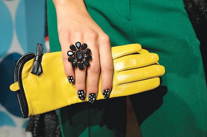 bestie nails