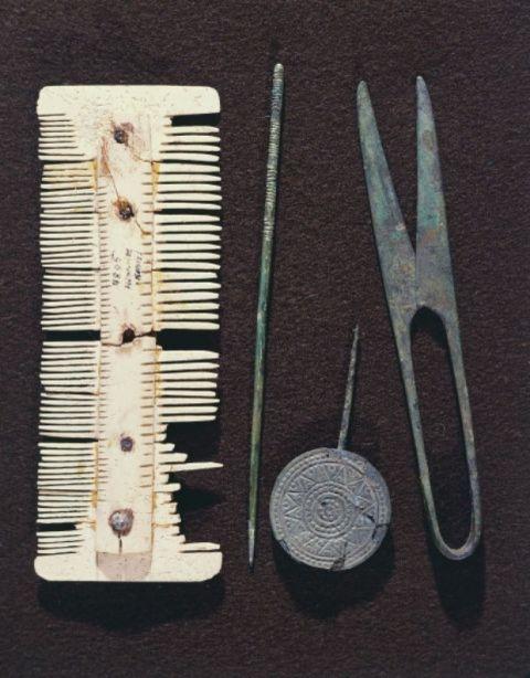 Dụng cụ làm tóc độc đáo thời xa xưa