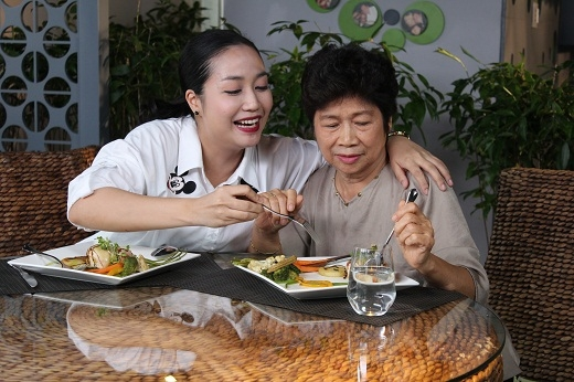 Ốc Thanh Vân: Mẹ là một người thầy trên cả tuyệt vời