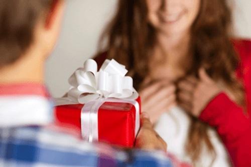 tặng quà cho vợ