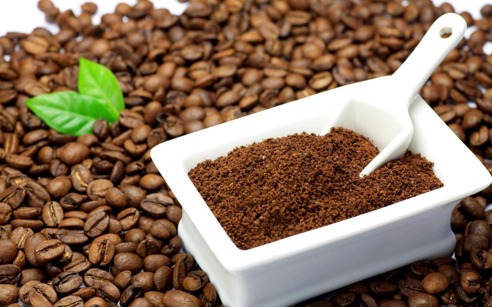 Cà phê nguyên chất hay hóa chất, bắp rang?